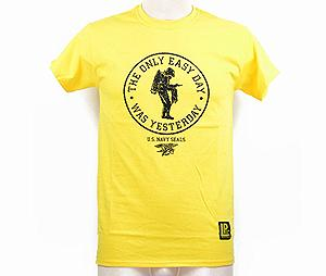 t-shirt  'THE ONLY EASY DAY - WAS YESTERDAY' GIALLO